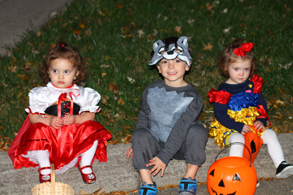 Red Riding Hood, wolf and snow white Halloween costumes