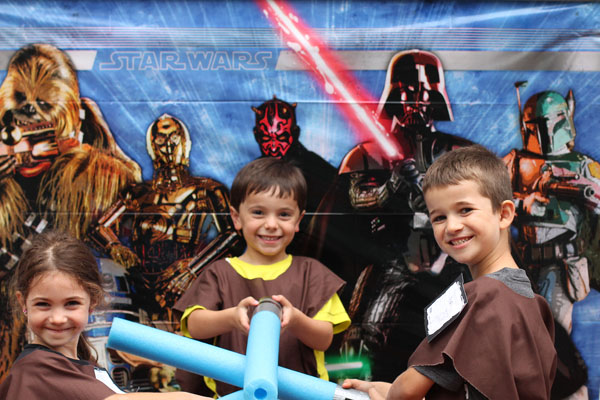 Star Wars birthday party with Star Wars photo backdrop