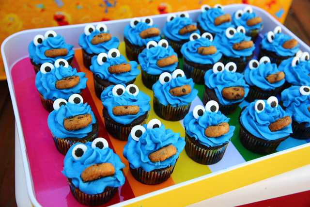 Stupendous A Perfect Sesame Street Birthday Party For A Two Year Old Personalised Birthday Cards Petedlily Jamesorg
