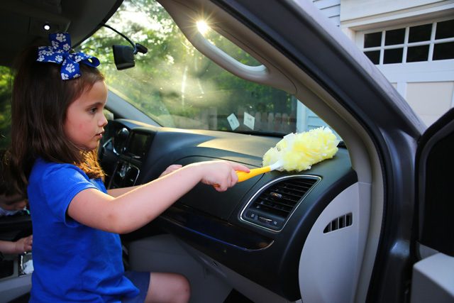 5 Ways to Clean Your Car with Kids